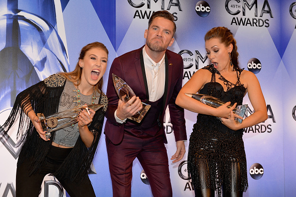 Turquoise Colored「49th Annual CMA Awards - Press Room」:写真・画像(8)[壁紙.com]