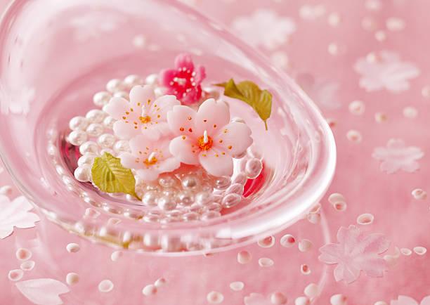 Cherry blossom candle:スマホ壁紙(壁紙.com)