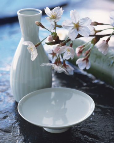 Sake「Cherry blossom and sake cup」:スマホ壁紙(7)