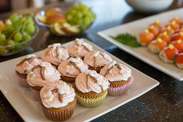 Cherry blossom cupcakes for Girl's Day:スマホ壁紙(壁紙.com)
