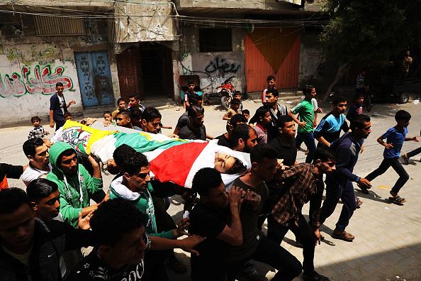 Rafah「Funeral Held For Palestinian Teenager Killed In Israeli Gaza Border Protests」:写真・画像(6)[壁紙.com]