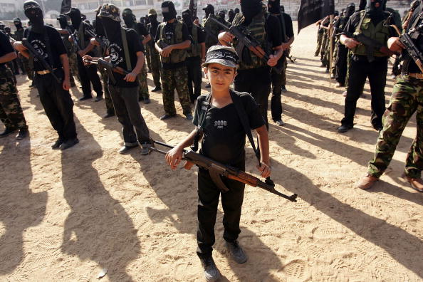 Boys「Fatah Militants Rally In Gaza City」:写真・画像(12)[壁紙.com]