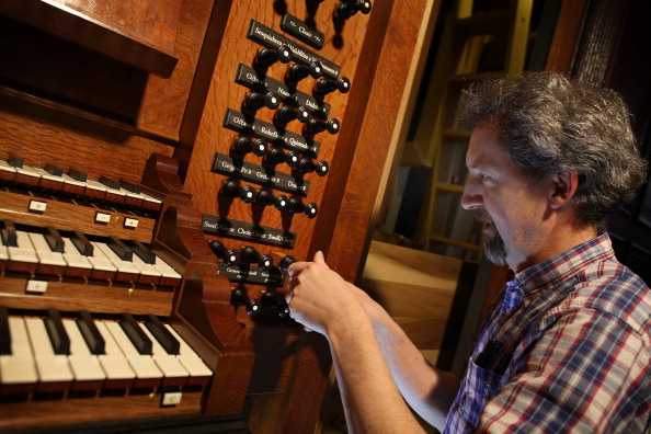 Handle「St George's Church Continues Its Restoration With The Installation Of The First American Built Organ In London」:写真・画像(2)[壁紙.com]