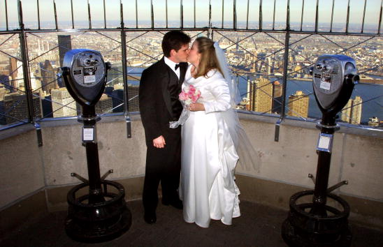 Empire State Building「Couples Marry Atop Empire State Building」:写真・画像(19)[壁紙.com]