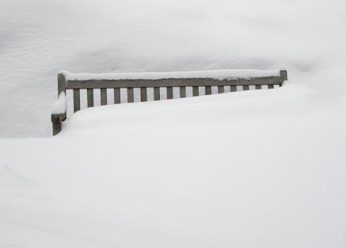 Snowdrift「Snow-covered garden sofa」:スマホ壁紙(17)