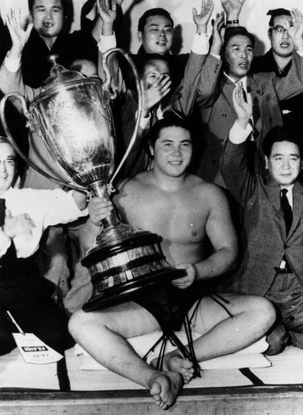 大鵬 幸喜「Ozeki Champion」:写真・画像(1)[壁紙.com]