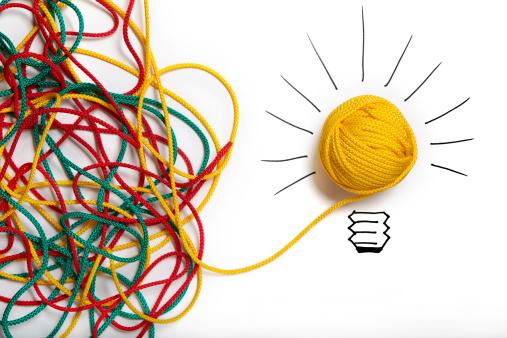 Success「Yellow ball of wool with pen lines like lightbulb」:スマホ壁紙(10)