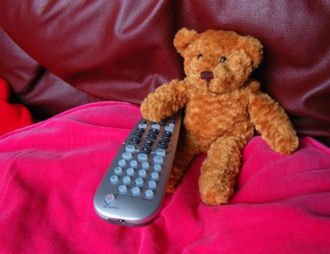 Choosing「In Control of the Remote」:スマホ壁紙(19)