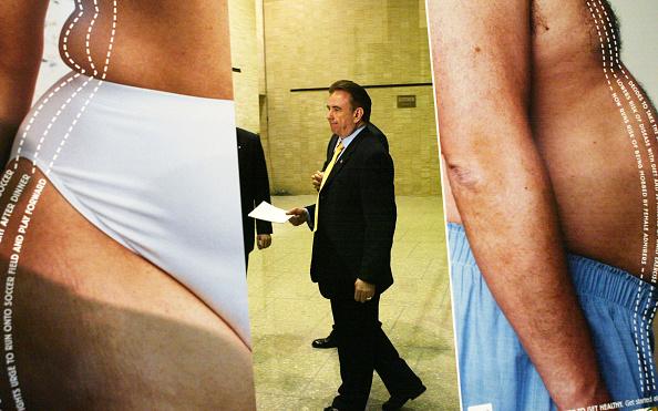 Alex Wong「Secretary Thompson Presents Obesity Campaign」:写真・画像(11)[壁紙.com]