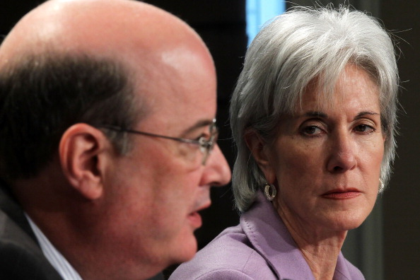 Michael Astrue「Geithner, Sebelius, And Solis Hold Briefing On Social Security, Medicare Reports」:写真・画像(4)[壁紙.com]