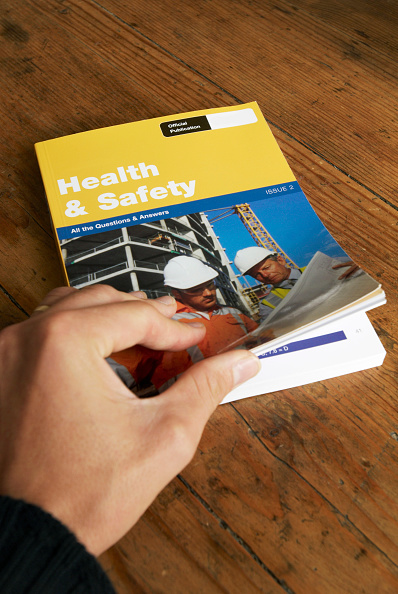 Single Object「CSCS Health and Safety test revision booklet」:写真・画像(12)[壁紙.com]