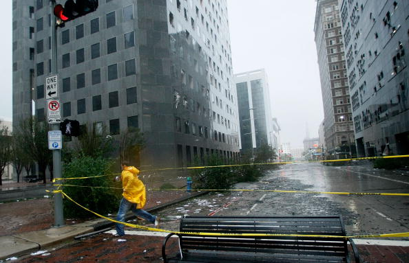 Hurricane Ike「Hurricane Ike Makes Landfall On Texas Coast」:写真・画像(14)[壁紙.com]