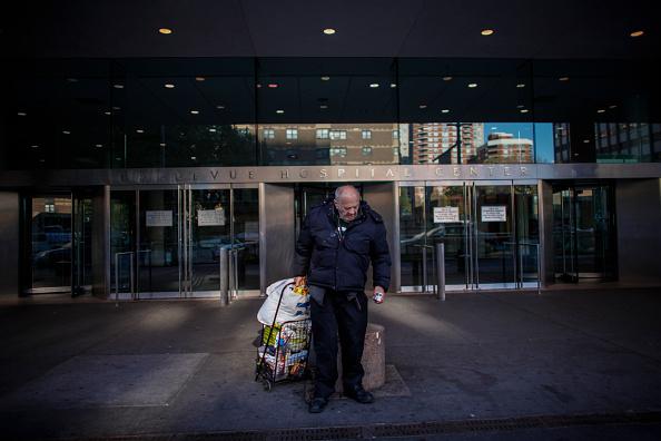 検疫「Doctor Quarantined At NYC's Bellevue Hospital After Testing Positive For Ebola」:写真・画像(18)[壁紙.com]