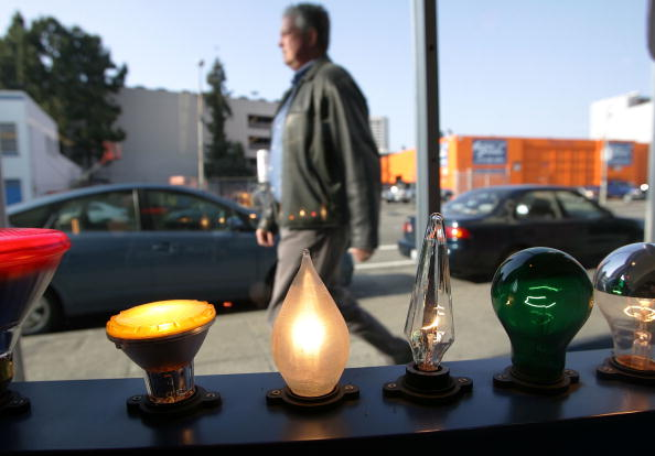 Light Bulb「California Lawmaker Considers Bill Banning Conventional Light Bulbs」:写真・画像(10)[壁紙.com]