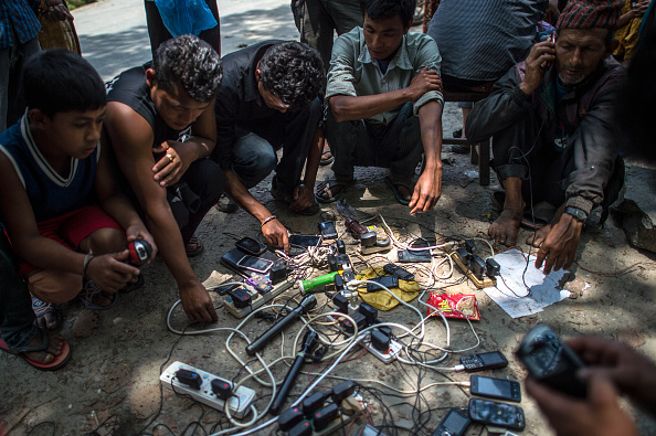 Wireless Technology「International Aid Struggling To Reach Outlying Areas In Nepal」:写真・画像(13)[壁紙.com]