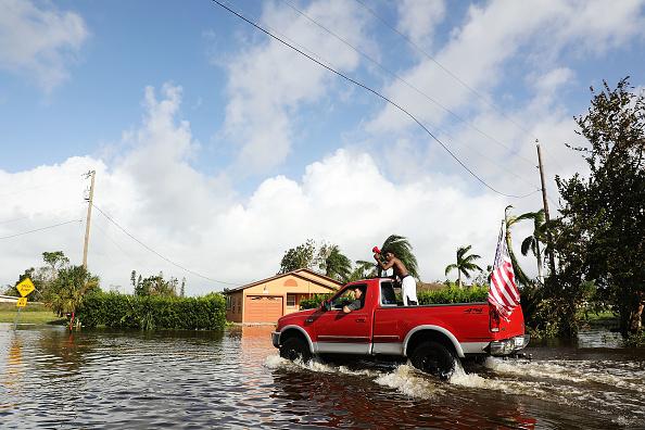 Naples - Florida「Powerful Hurricane Irma Slams Into Florida」:写真・画像(14)[壁紙.com]