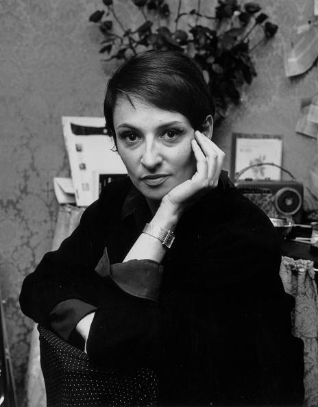 女性歌手「Une Chanteuse」:写真・画像(3)[壁紙.com]