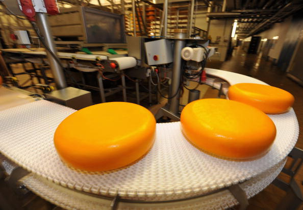 Cheese「Production Line At Dairy Nordmilch」:写真・画像(5)[壁紙.com]