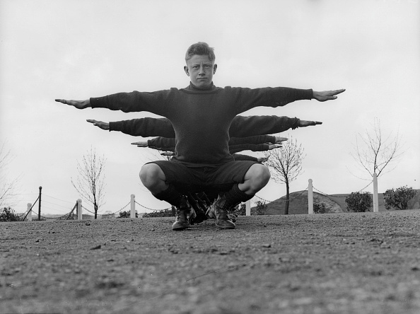 Symmetry「Arms And The Man」:写真・画像(5)[壁紙.com]