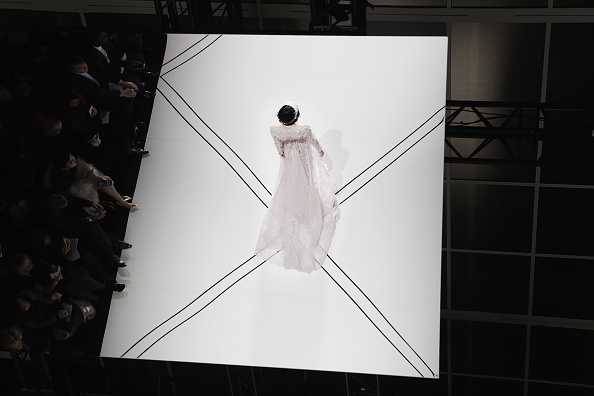 Ralph and Russo「Ralph & Russo : Alternative View - Paris Fashion Week - Haute Couture Spring Summer 2017」:写真・画像(15)[壁紙.com]