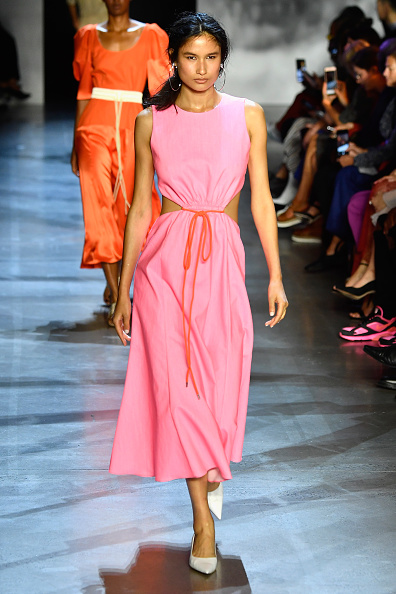 ニューヨークファッションウィーク「Prabal Gurung - Runway - September 2018 - New York Fashion Week: The Shows」:写真・画像(12)[壁紙.com]