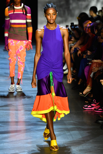 ニューヨークファッションウィーク「Prabal Gurung - Runway - September 2018 - New York Fashion Week: The Shows」:写真・画像(11)[壁紙.com]