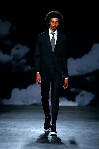 Black Suit「Tiger Of Sweden - Runway - London Collections Men SS16」:写真・画像(1)[壁紙.com]