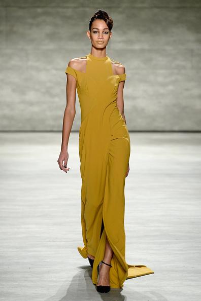Black Shoe「Bibhu Mohapatra - Runway - Mercedes-Benz Fashion Week Fall 2015」:写真・画像(18)[壁紙.com]