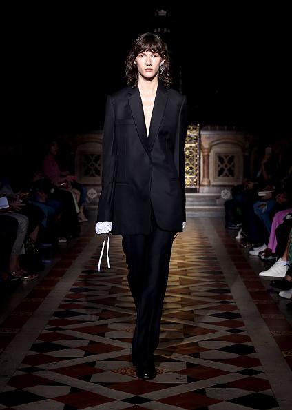ロンドンファッションウィーク「Sharon Wauchob SS19」:写真・画像(11)[壁紙.com]