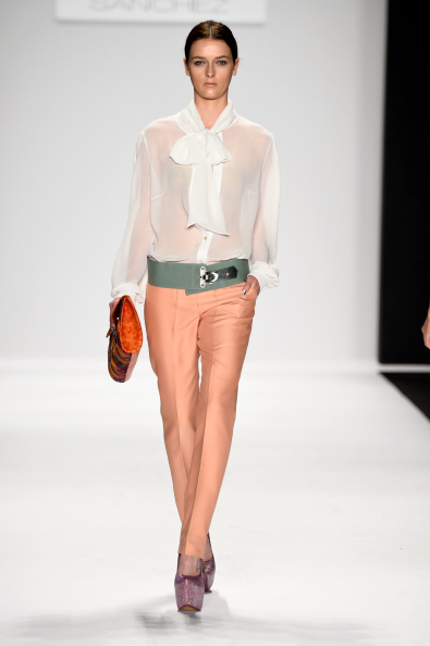 Blouse「Mercedes-Benz Fashion Week Spring 2015 - Official Coverage - Best Of Runway Day 8」:写真・画像(19)[壁紙.com]