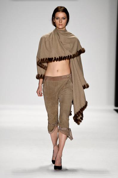 Beige「Art Hearts Fashion Presented By AIDS Healthcare Foundation - Runway - Mercedes-Benz Fashion Week Spring 2015」:写真・画像(9)[壁紙.com]