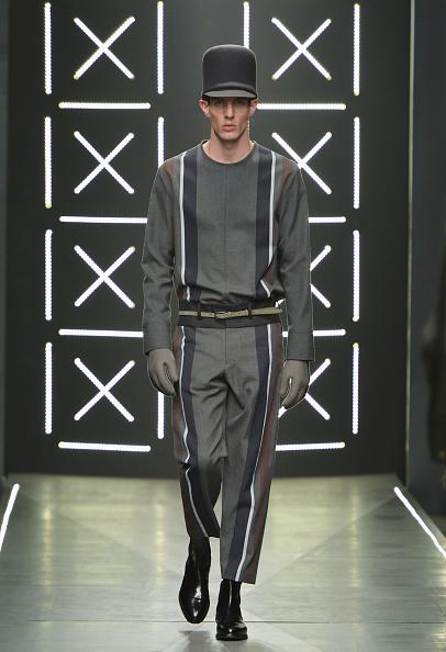 Round Neckline「Robert Geller - Runway - Mercedes-Benz Fashion Week Fall 2014」:写真・画像(7)[壁紙.com]