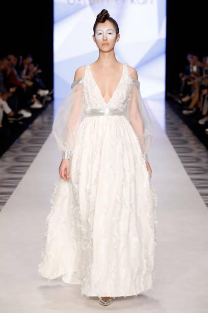 Ozlem Erkan - Runway - Mercedes Benz Fashion Week Istanbul - March:ニュース(壁紙.com)