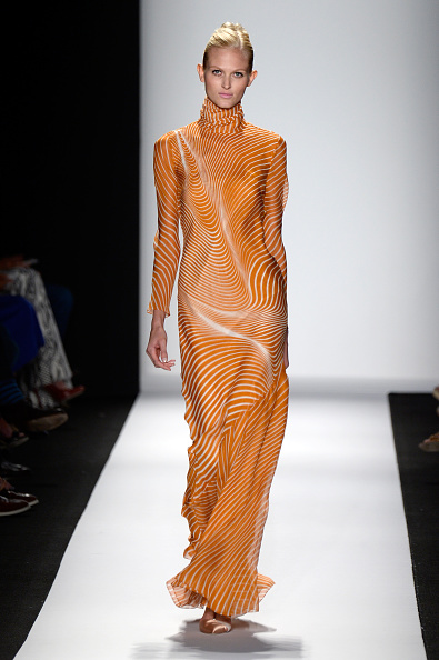 Yellow Dress「Mercedes-Benz Fashion Week Spring 2014 - Official Coverage - Best Of Runway Day 5」:写真・画像(8)[壁紙.com]