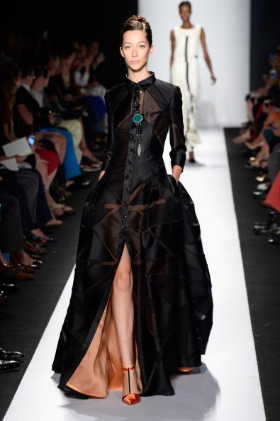 Hands In Pockets「Carolina Herrera - Runway - Mercedes-Benz Fashion Week Spring 2014」:写真・画像(13)[壁紙.com]