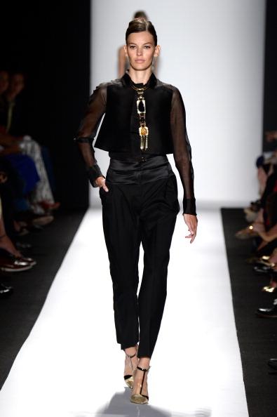 Hands In Pockets「Carolina Herrera - Runway - Mercedes-Benz Fashion Week Spring 2014」:写真・画像(14)[壁紙.com]