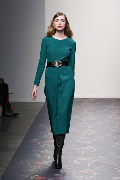 Mid Calf Length「Giulette - Runway - Mercedes-Benz Fashion Week Fall 2014」:写真・画像(17)[壁紙.com]