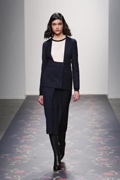 Black Skirt「Giulette - Runway - Mercedes-Benz Fashion Week Fall 2014」:写真・画像(14)[壁紙.com]