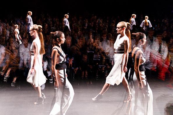 Tristan Fewings「Dogay Can - Runway - Mercedes-Benz Fashion Week Istanbul - October 2016」:写真・画像(13)[壁紙.com]