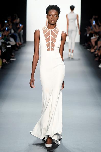 Form Fitted Dress「John Paul Ataker - Runway - September 2016 - New York Fashion Week」:写真・画像(15)[壁紙.com]
