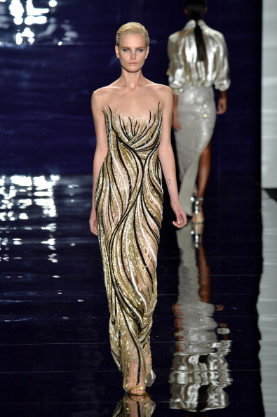 Sequin Dress「Reem Acra - Runway - Mercedes-Benz Fashion Week Fall 2014」:写真・画像(12)[壁紙.com]