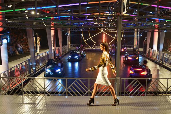 Fernanda Calfat「Versace for Riachuelo - SPFW Winter 2015」:写真・画像(19)[壁紙.com]