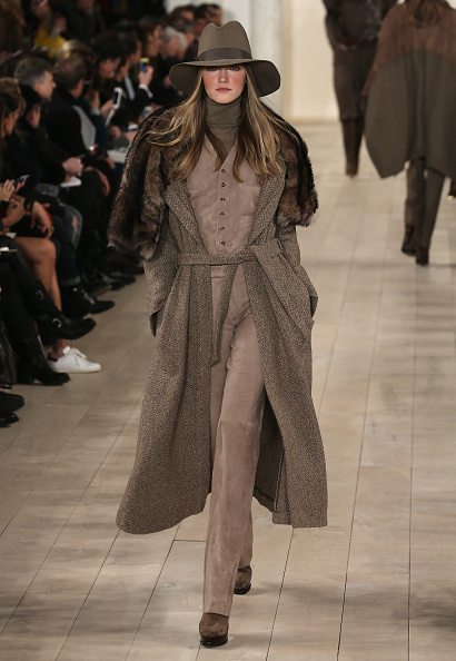 Fur Trim「Ralph Lauren - Runway - Mercedes-Benz Fashion Week Fall 2015」:写真・画像(9)[壁紙.com]
