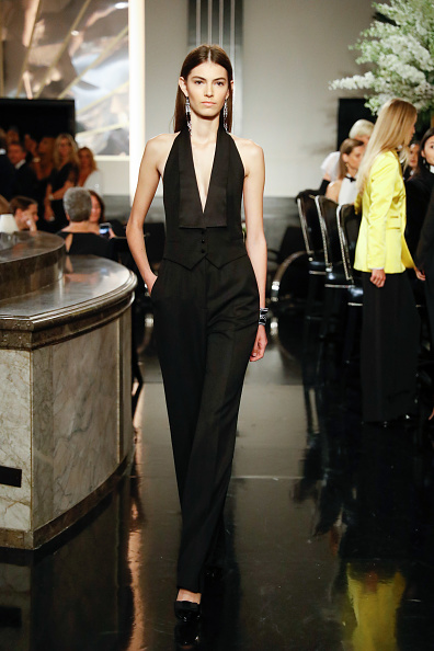 Black Jumpsuit「Ralph Lauren - Runway - September 2019 - New York Fashion Week」:写真・画像(1)[壁紙.com]