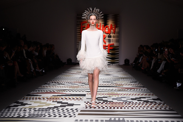 Ian Gavan「Fashion For Relief - Runway - LFW FW15」:写真・画像(13)[壁紙.com]