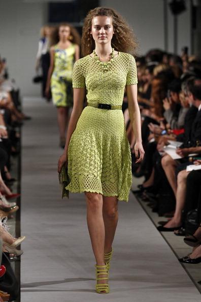 Spring Collection「Oscar De La Renta - Runway - Spring 2012 Mercedes-Benz Fashion Week」:写真・画像(8)[壁紙.com]