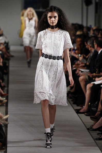 Spring Collection「Oscar De La Renta - Runway - Spring 2012 Mercedes-Benz Fashion Week」:写真・画像(14)[壁紙.com]