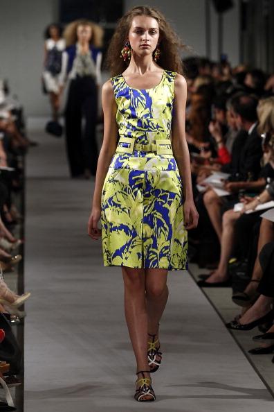 Spring Collection「Oscar De La Renta - Runway - Spring 2012 Mercedes-Benz Fashion Week」:写真・画像(17)[壁紙.com]