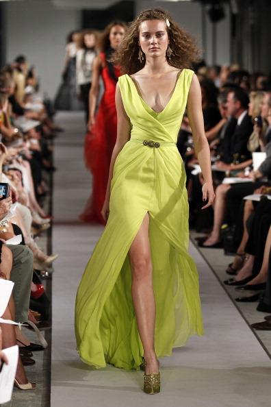 Spring Collection「Oscar De La Renta - Runway - Spring 2012 Mercedes-Benz Fashion Week」:写真・画像(7)[壁紙.com]