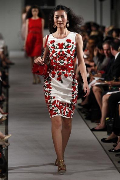 Spring Collection「Oscar De La Renta - Runway - Spring 2012 Mercedes-Benz Fashion Week」:写真・画像(6)[壁紙.com]